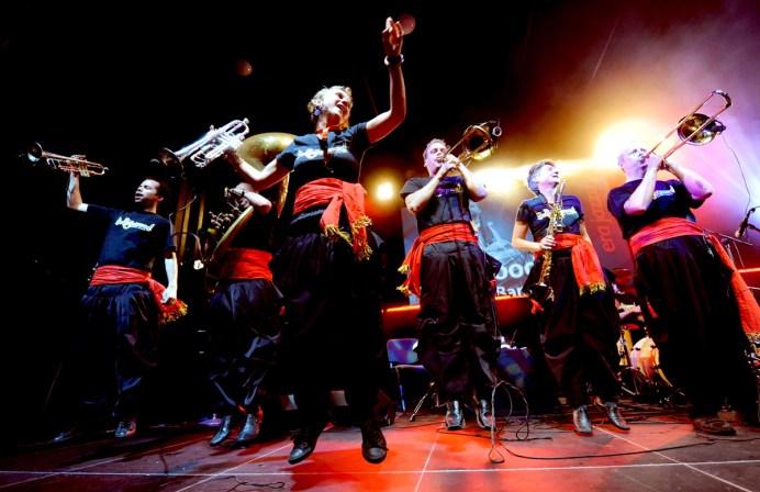 bollywood-brass-band--sliders--book-us--festivals--004