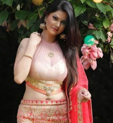 Aabha Paul boob size