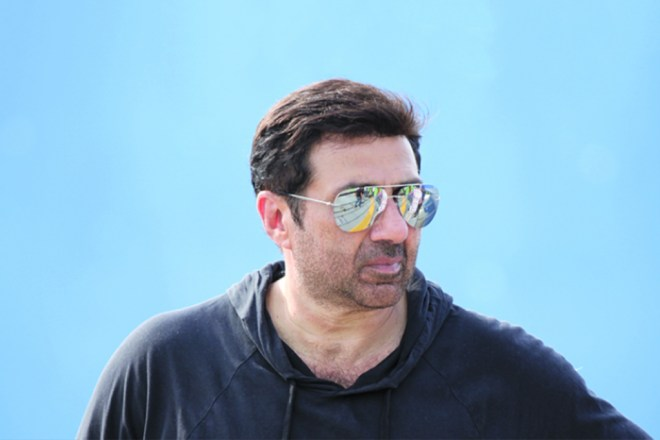 Sunny Deol Styles look