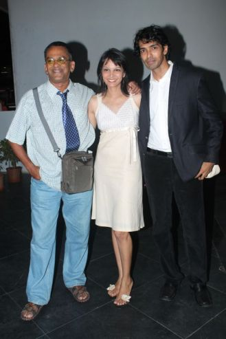 Remo Fernandes, Seema Rahamani & Sandeep Mohan (Director) at the premiere of 'Love, Wrinkle-Free' at PVR, Phoenix.