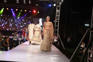20 - Anchal Kumar walks the ramp for designer Asif Shah's collections in Indore at Sayaji Palace.,,.,.
