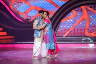 Ex Contestants Sachin and Supriya during their perfomance in the ex-contestant special of Nach Baliye-5. Catch them from Sat to Sun at 9pm on STAR P