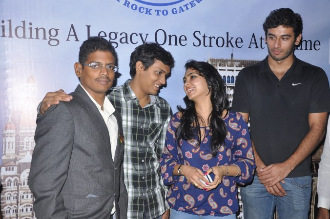Olympian Virdhawal Khade and Pooja Banerjee, Fame of Roadies 8 interact with the physically challenged participants of Square Off Mumbai Swimmathon 2013
