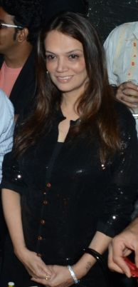 Only woman club owner in Mumbai Ms. Sadhna Romy Lalwani of Hawaiian Shack @ YouMe&We PR 5th Anniversary bash