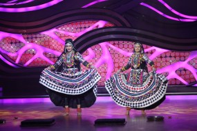 Ravi and Sargun during their performance on Nach Baliye-5 Catch them at 9 pm this weekend on STAR Plus