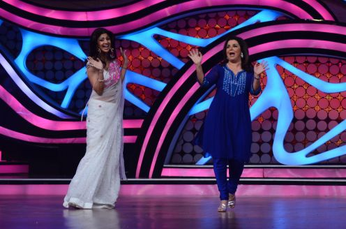 Farah Khan Shaking-a-leg with Shilpa Shetty Kundra. Catch this on this Satruday on Nach Baliye-5 at 9 pm on STAR Plus