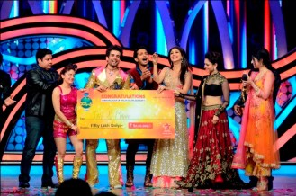 JAY AND MAHI WINNERS OF NACH BALIYE 5 (3)