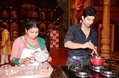 Ravi Dubey with Khokhu Patra at MasterChef cook-off
