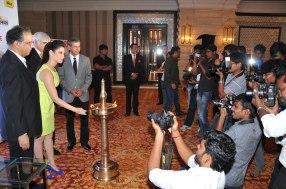 Tamanna annaugrating the '60th Idea Filmfare Awards 2012' (South)