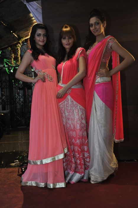 08-Models in Zanaaya Couture Collection@Zanaaya Couture Store Launch,Kemps Corner