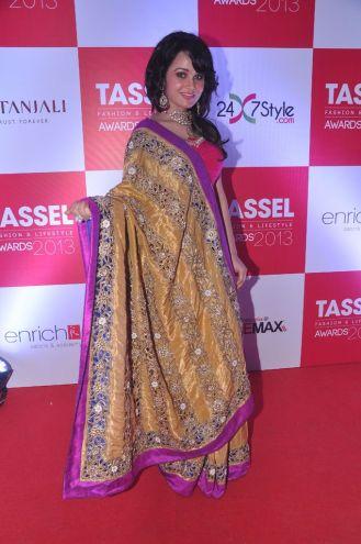 12 Nisha Kothari @ Tassel Fashion & Lifestyle Awards 2013