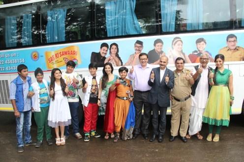 Mr. Anooj Kapoor, EVP & Business Head, SAB TV with Mr. Manoj Gursahani, MD, Bollywood Tourism along with Rajendra Gupta,Gopi Bhalla,Debina,Balveer,N