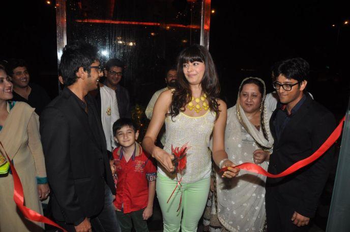 Pooja Batra with Ovais, Naheed & Uzair Queraishi at the launch of Yoko Sizzlers