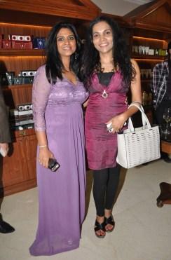 08 Ritika Bansal, VP Sales and Operation Lloyds Luxuries Ltd with a guest @ Truefitt & Hill launch event