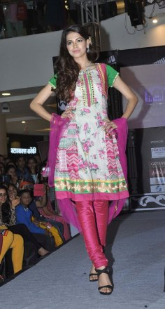 Models walked the ramp at the 'Indian Wedding Couture'.8