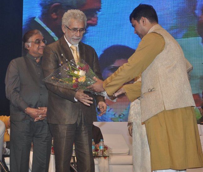Naseeruddin Shah released Quaiser Khalid's Poetry at Pasbaane Adab's 'Third Inrenational Poetry Festival'.8
