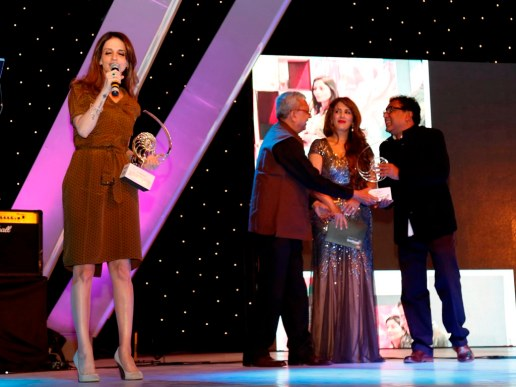 Suzanne Khan thanking all after receiving an award at the GoodHomes Awards 2014