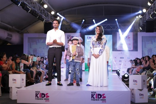 1 Upen Patel as showstopper for Brown Bows at IKFW 2015