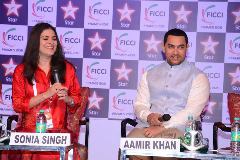 Ms. Sonia Singh in discussion with Actor Amir Khan