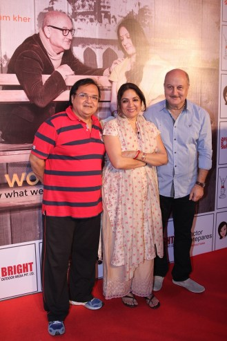 Rakesh Bedi, Neena Gupta & Anupam Kher