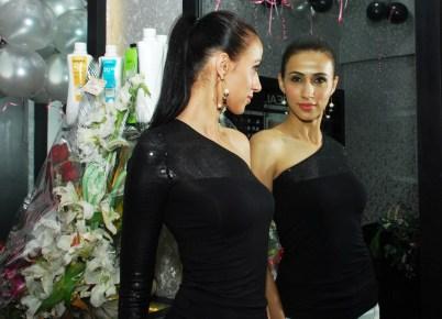 Super Model Alesia Raut inaugurated the 'Glow Studio Salon & Spa' in Thane.4