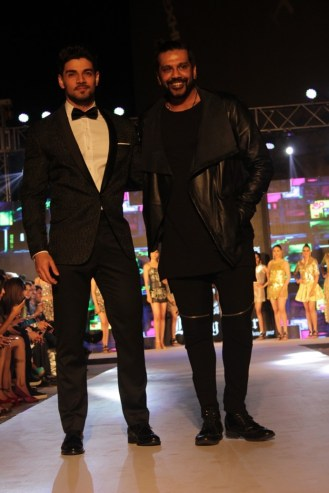Sooraj Pancholi with Rocky Star@Tech Fashion Tour_