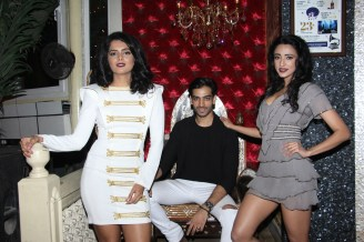 karn-malhotra-with-models