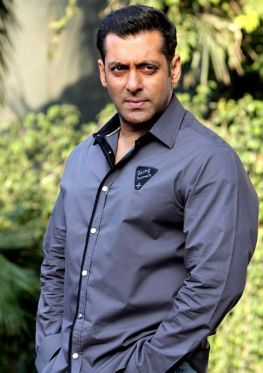 bollywood-red-salman-khan-7
