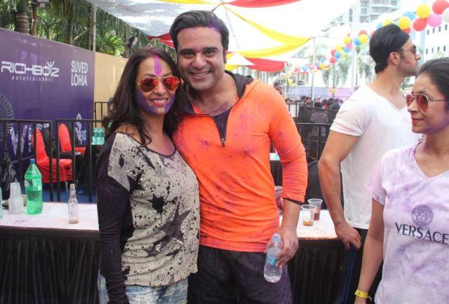 Kashmeera Shah & Krushna Abhishek @ Holi Invasion