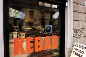 Insegne etniche in italiano Solo il kebab si salva  Bologna  Repubblicait