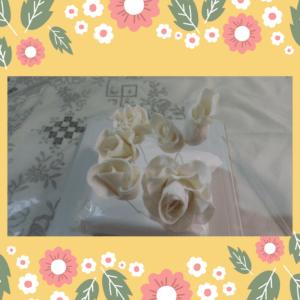 Feliz Páscoa 300x300 - Como fazer flores de pasta americana