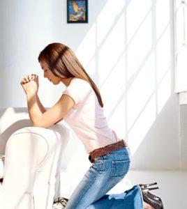 mulher orando