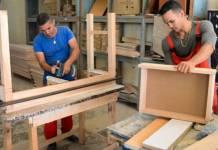 ayudantes de fabricacion de muebles de madera_edited