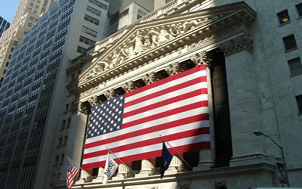 Wall Street abre con bajas moderadas