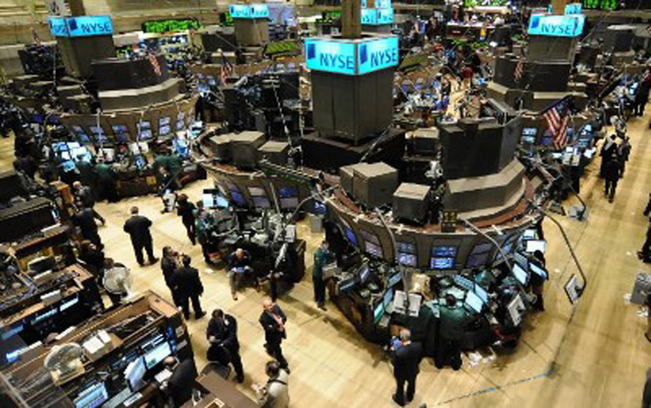 Wall Street abre al alza pendiente de Siria