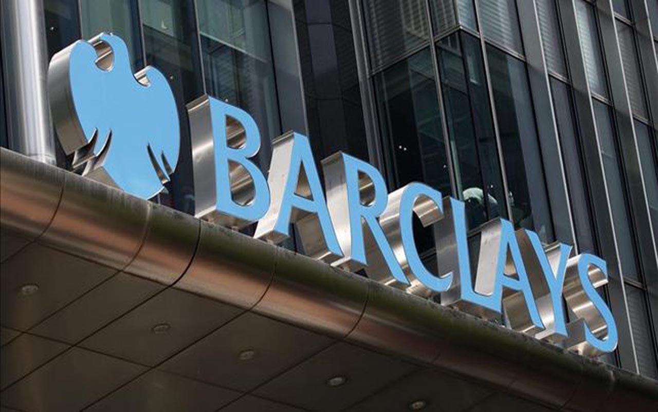 Barclays cambia perdidas por beneficios