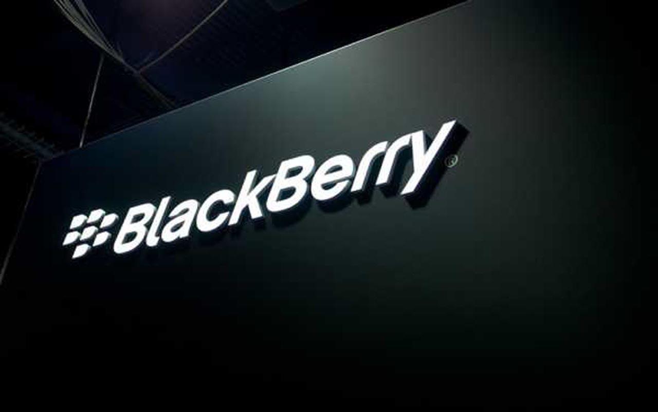 Blackberry no se vende y cambia de CEO