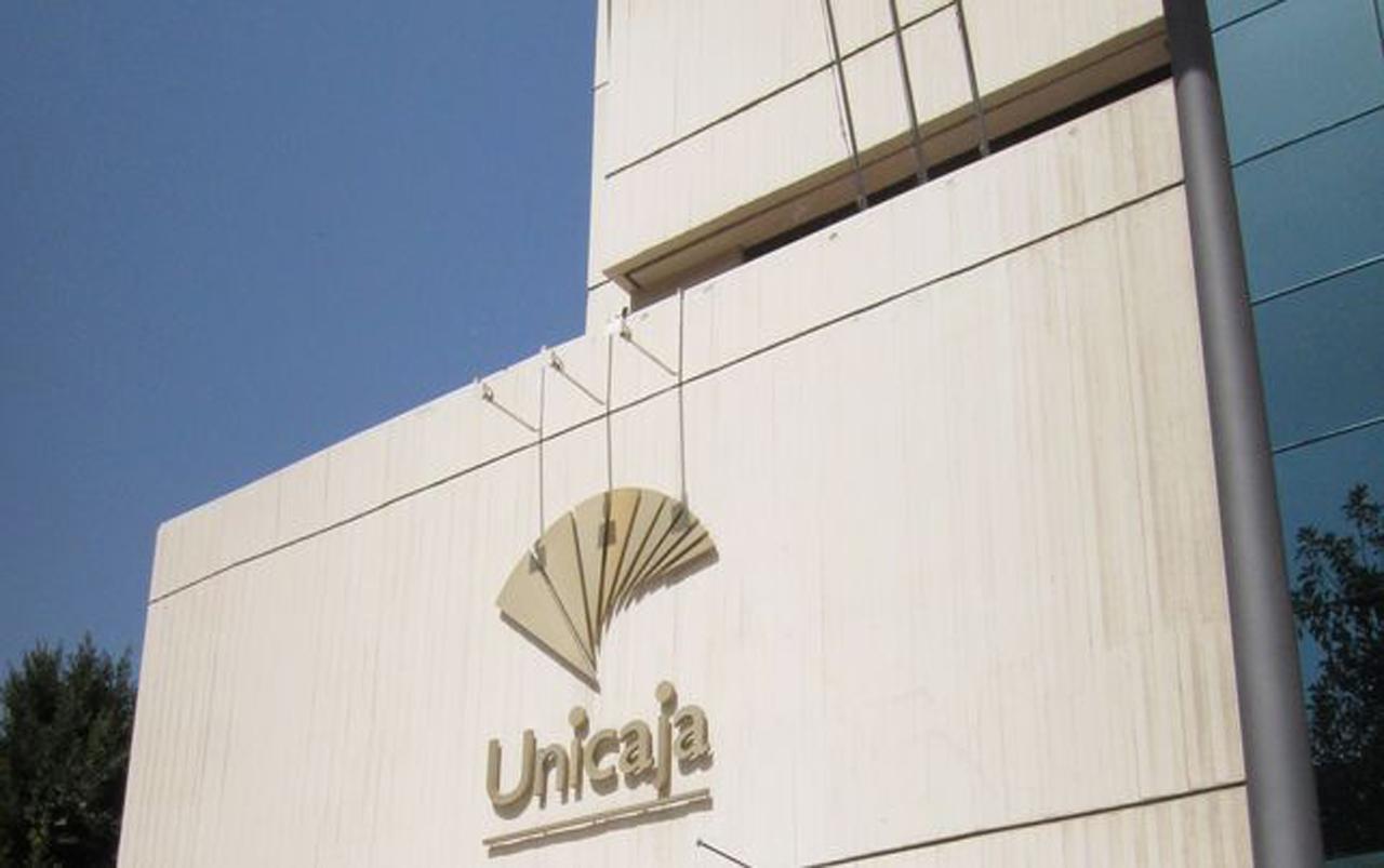 Unicaja obtiene 184 millones en 2015