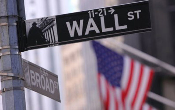 Wall Street cierra en rojo y el Dow Jones baja 0,38% tras jornada irregular