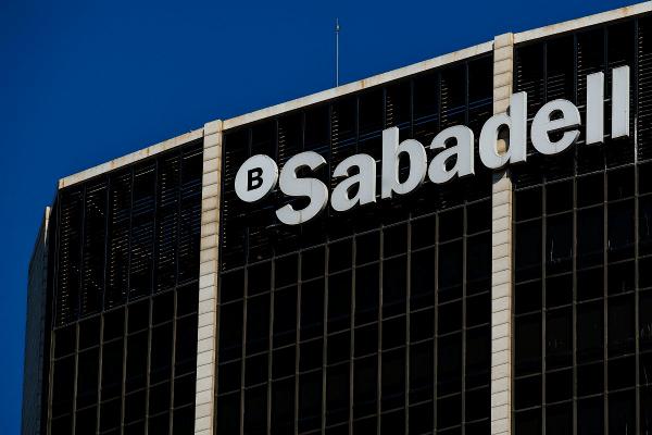 Sabadell lanza con éxito una colocación de deuda senior