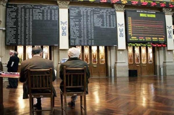 Retroceso del 0,49% al inicio del viernes en la Bolsa de Madrid