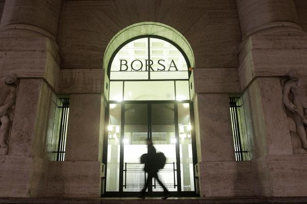 Desplome de la Bolsa de Milán al cierre (-2,32%)
