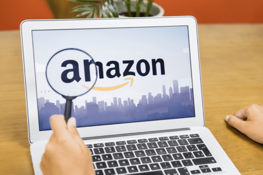 How Amazon provides the best customer service?