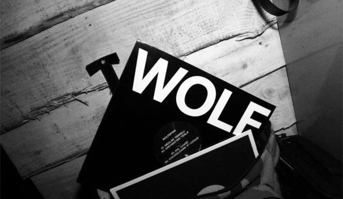 wolf-vinyl