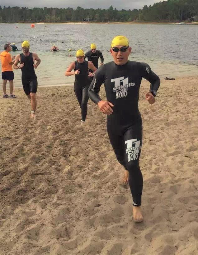这件跑群昵称为肺肺服的泳衣就是在沙龙短铁赛后得来的奖品