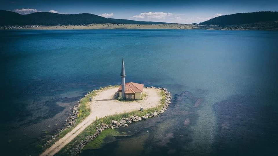 Seben Gölü'ndeki yarımadada bulunan cami kültür varlığı kabul edildi