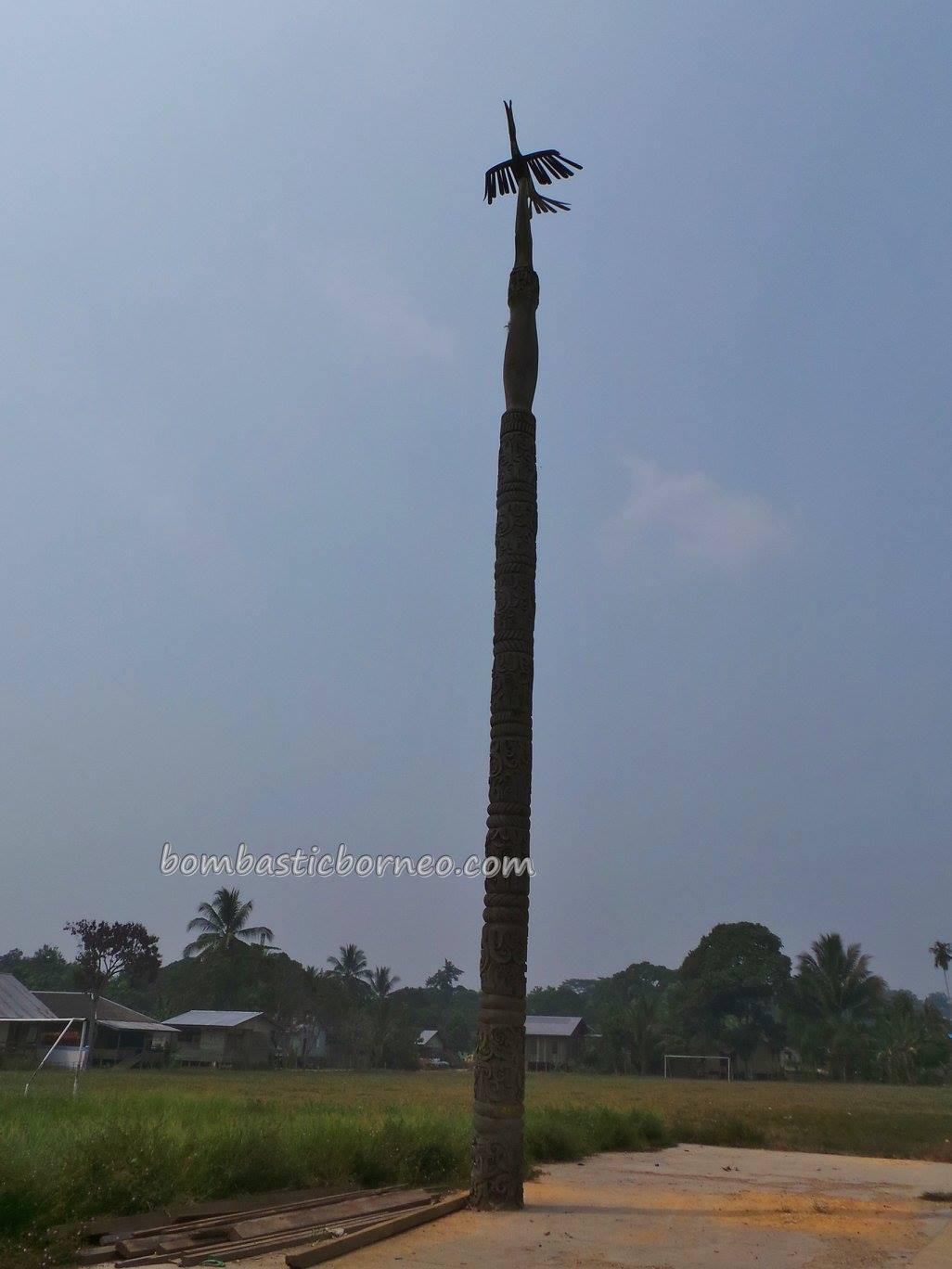 Longhouse Totem Pole