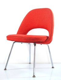 Eero Saarinen chair red vintage Knoll