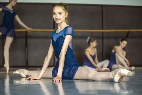 dança O estabelecimento disponibiliza aulas grátis para todos os cursos na primeira semana de Outubro