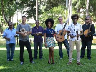 Grupo faz viagem no tempo rumo à essência genuína do samba